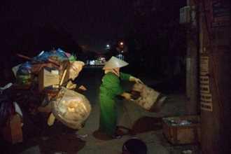 14 cái Tết không chồng, đón Giao thừa chỉ có bát cơm của người lao công dọn rác