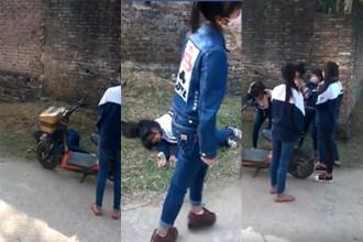 Xuất hiện clip nhóm nữ sinh cầm gạch đánh bạn ngất xỉu giữa đường ở Bắc Giang