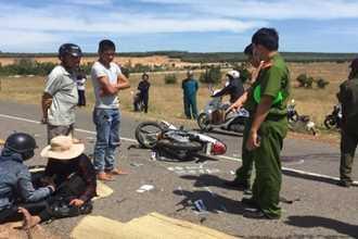 2 xe máy đối đầu ngày mùng 1 Tết, 2 người tử vong