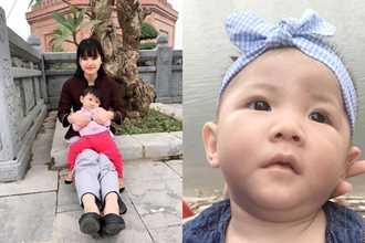 Cái Tết đầu tiên của em bé 14 tháng nặng 3,5kg cùng mẹ 9X