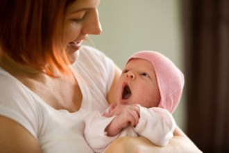 Những điều mẹ nào cũng phải biết về tuần đầu tiên sau sinh