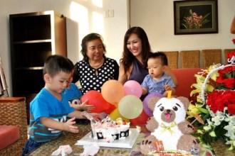 Mẹ Phi Thanh Vân: