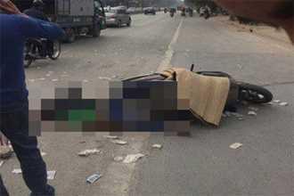 Hà Nội: Va chạm với xe máy ngược chiều, cô gái ngã ra đường bị xe bê tông cán tử vong