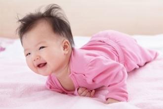 3 bài tập phát triển thể lực cho trẻ sơ sinh bố mẹ không nên bỏ qua