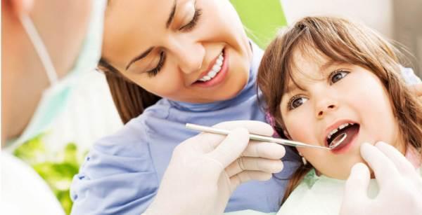 Bí kíp chăm sóc răng miệng cho trẻ mới chập chững biết đi - Ảnh 2
