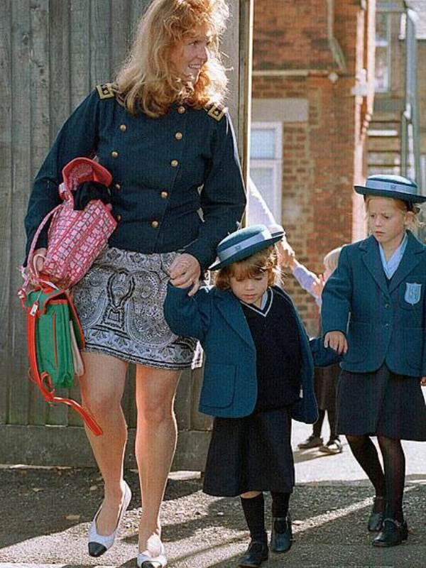 Khoảnh khắc ngày đầu tới trường của những công chúa, hoàng tử bé - Ảnh 8