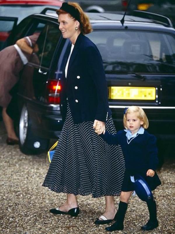 Khoảnh khắc ngày đầu tới trường của những công chúa, hoàng tử bé - Ảnh 7