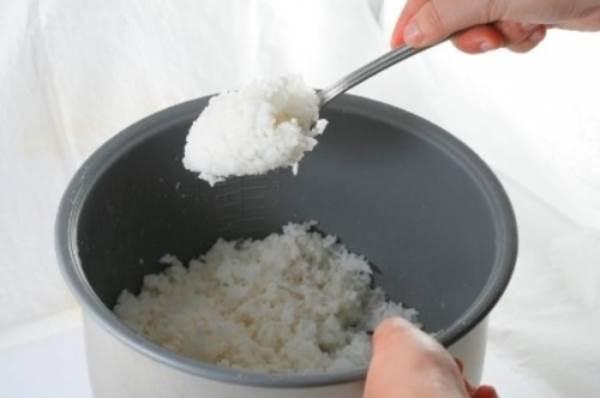 Vì sao bữa sáng gia đình Việt không nên ăn cơm nguội, thức ăn thừa? - Ảnh 1