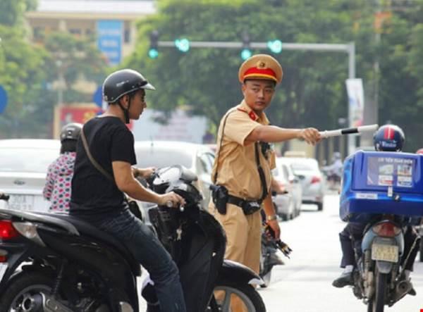 7 quyền hạn của cảnh sát chỉ huy, điều khiển giao thông - Ảnh 1
