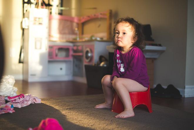 Có 1 bí quyết nhỏ giúp trẻ bỏ bỉm, luyện ngồi bô thành công - Ảnh 1