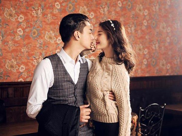Quyến rũ anh ấy bằng nụ hôn