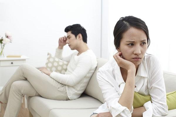 Khi đang yêu hay đã là vợ chồng cũng đều khó tránh chiến tranh lạnh