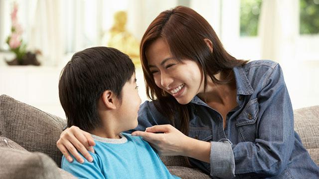 Cha mẹ phải làm gì để con có những hành vi tốt