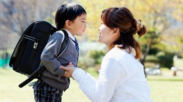 Cha mẹ phải làm gì để là tấm gương tốt cho con