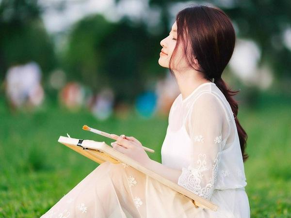 Nếu không thể sung sướng, đàn bà phải sống thế nào để không khổ tâm?