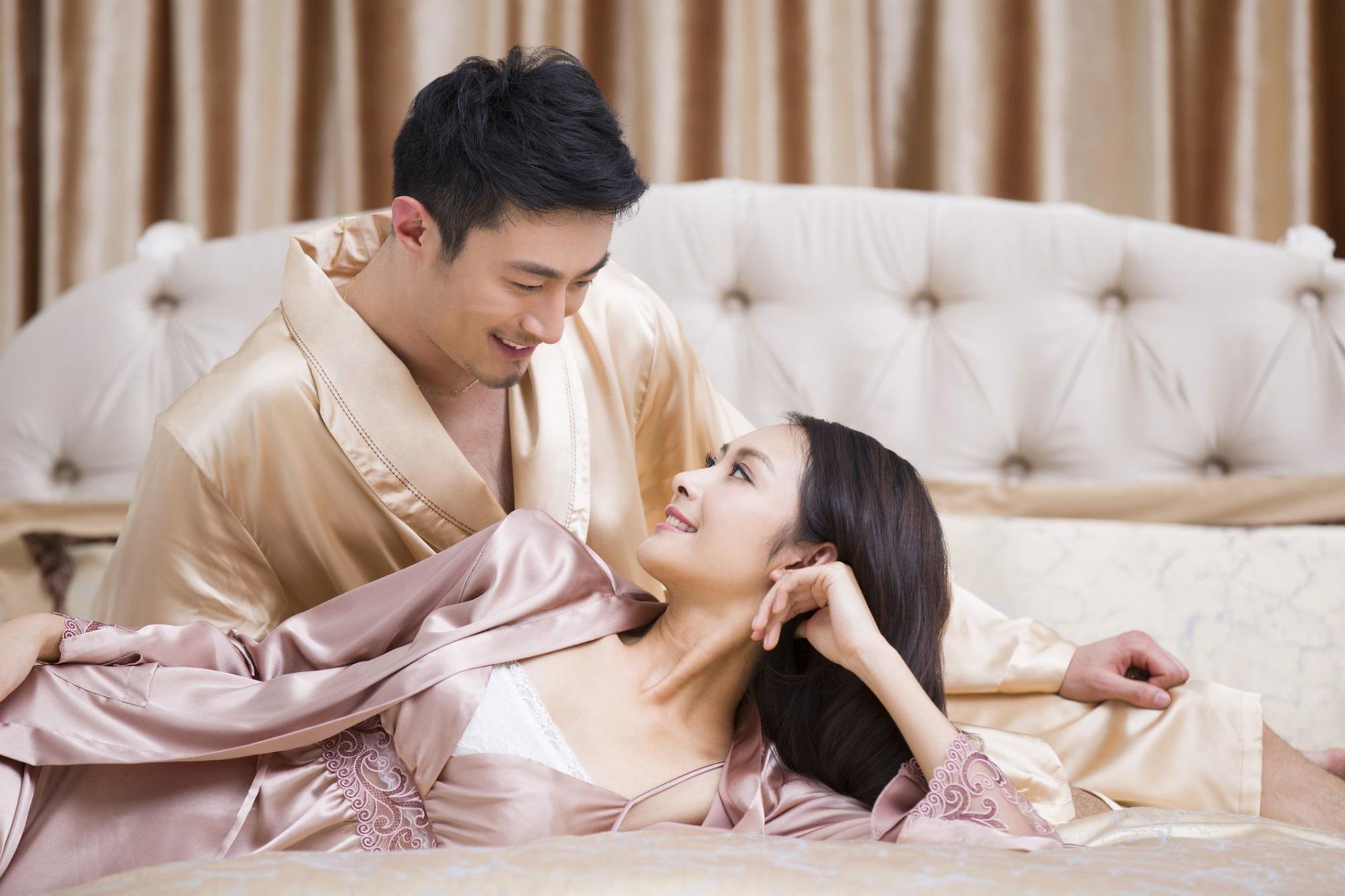 Đêm tân hôn lãng mạn cho vợ chồng trẻ