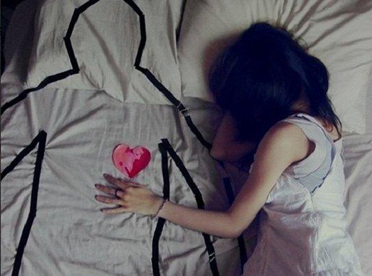 Thật khó để chấp nhận buông bỏ một tình yêu đã đi cùng mình suốt một quãng thời gian dài của tuổi trẻ
