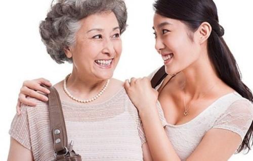 Mẹ chồng và nàng dâu phải luôn thông cảm, thấu hiểu cho nhau thì gia đình mới hòa thuận, hạnh phúc