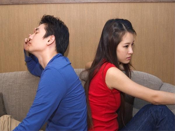 Vợ chồng giận nhau không nói chuyện, giải pháp nào cứu cánh?