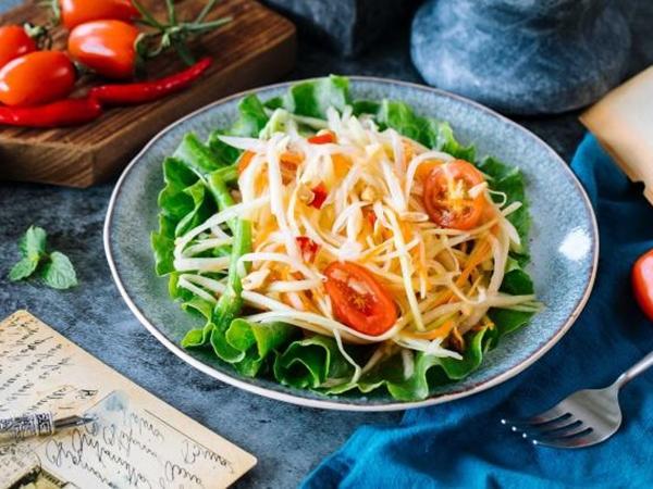 Học ngay cách làm món nộm vừa ngon vừa đẹp, ăn hoài chẳng chán, càng không sợ tăng cân!