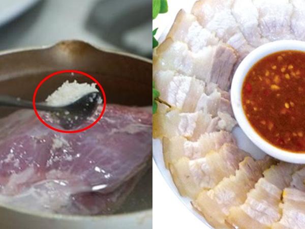 Cho 1 thìa này vào nồi, thịt luộc vừa mềm ngọt lại trắng tinh, không hề bị hôi hay thâm đen