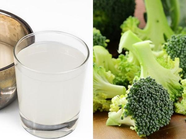 Đừng chỉ rửa bằng nước, muốn loại sạch độc tố có trong súp lơ bạn đừng quên cho thêm thứ này