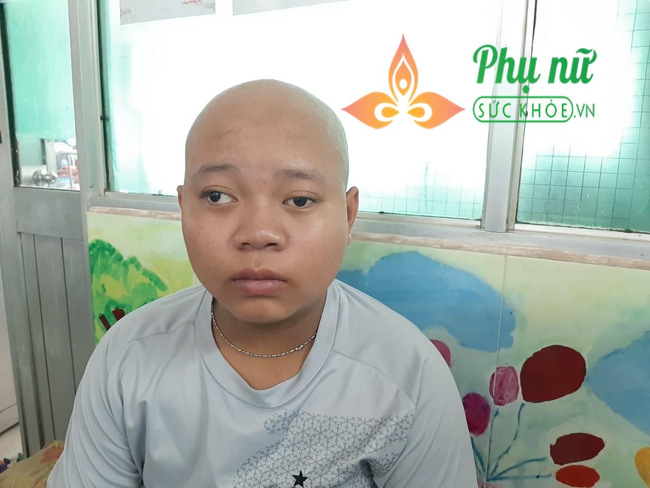 Thương tâm cảnh cậu học trò nghèo bị bệnh u não ác tính, bà nội bị ung thư cổ tử cung, gia cảnh cùng cực, không tiền cứu chữa - Ảnh 1