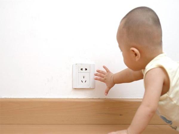 Những thủ phạm ngay trong nhà có thể đẩy trẻ đến những nguy hiểm khôn lường, cha mẹ nên lưu ý