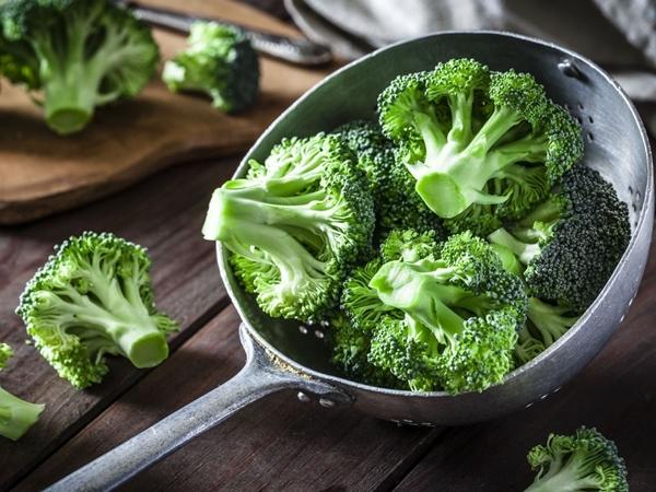 Những thực phẩm chuyên gia khuyên nên ăn để tăng sức đề kháng phòng chống corona - Ảnh 2