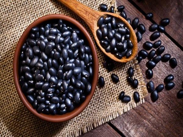 3 tác dụng ít người biết của loại hạt giá rẻ bán đầy ngoài chợ mà ai cũng thích ăn
