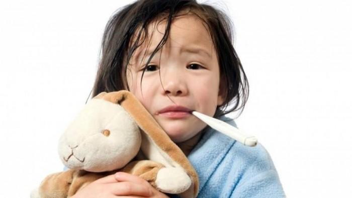 Trẻ bị cảm lạnh và những điều bố mẹ nên biết!