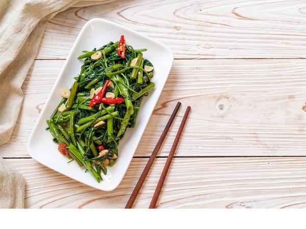 Ăn rau muống có tác dụng gì đối với sức khỏe?  Ai không nên ăn nhiều rau muống.