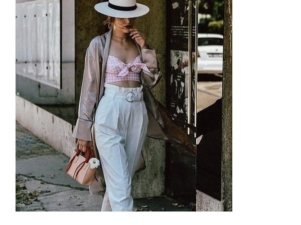 """Áo croptop mặc với quần gì để """"lên đồ"""" hợp trend, tôn dáng?"""