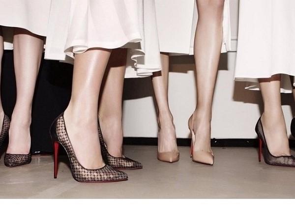 Cách che sẹo ở chân khi mặc váy đơn giản mang lại hiệu quả bất ngờ