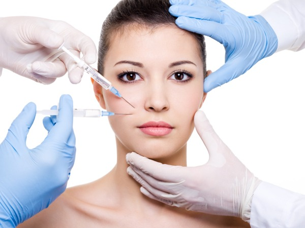 Nguyên nhân xuất hiện các tác dụng phụ sau khi tiêm còn do tay nghề bác sĩ còn non kém, thiếu kinh nghiệm thực tế, quy trình tiêm không đảm bảo, không sát khuẩn