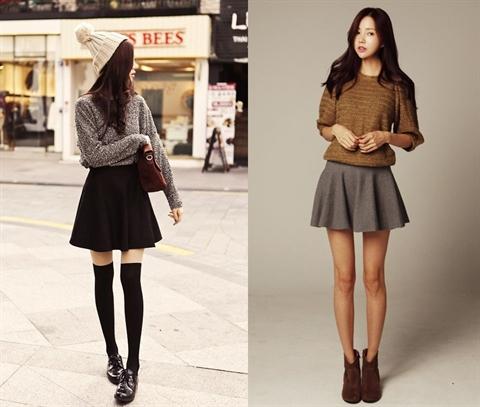 Set đồ áo len cùng chân váy xòe không bao giờ lỗi mốt trong mùa đông
