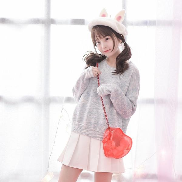 Cách phối áo len với chân váy xòe ấn tượng dành cho những ngày mùa đông