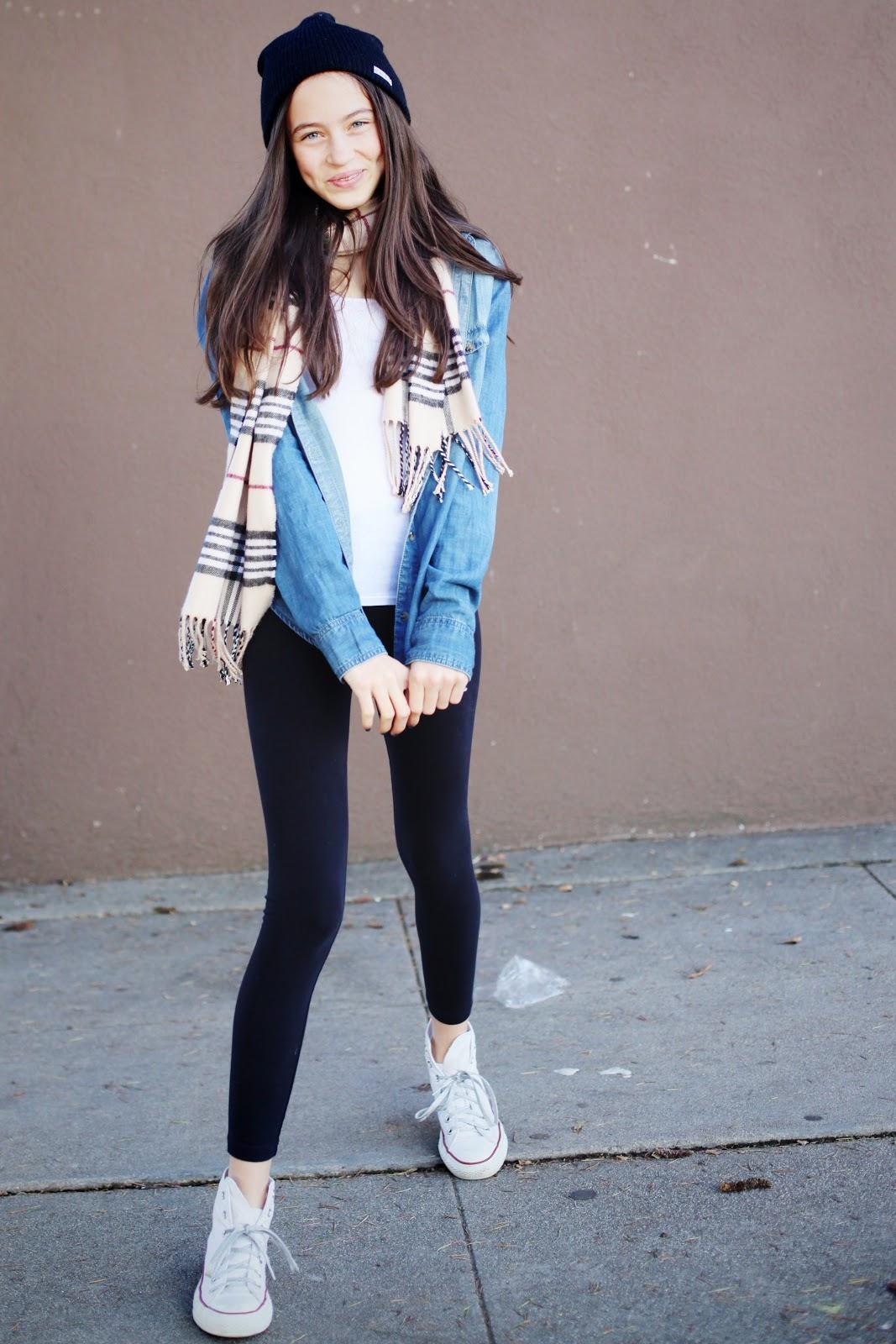 Phối quần legging với giày converse và chiếc áo len dài sẽ giúp nàng cá tính và thu hút  hơn