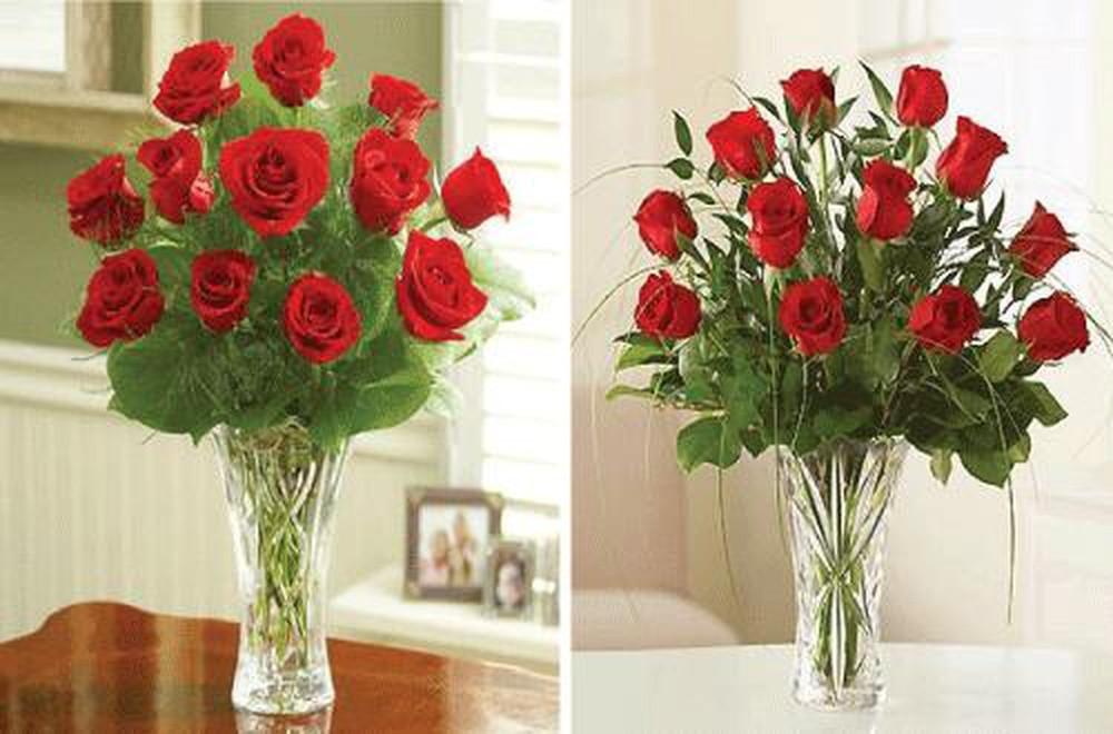 Bình hoa hồng đỏ chưng Tết tôn nghiêm