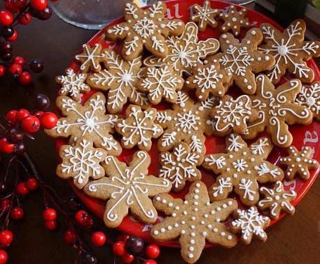 Bánh quy gừng là món ăn ngày Giáng sinh truyền thống rất dễ làm