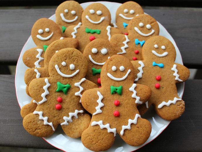 Bánh quy gừng có hương vị thơm ngon, giòn tan với đủ màu sắc, kiểu dáng