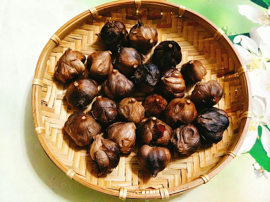 Học cách làm tỏi đen của người Nhật cực kỳ đơn giản bằng nồi cơm điện - Ảnh 7