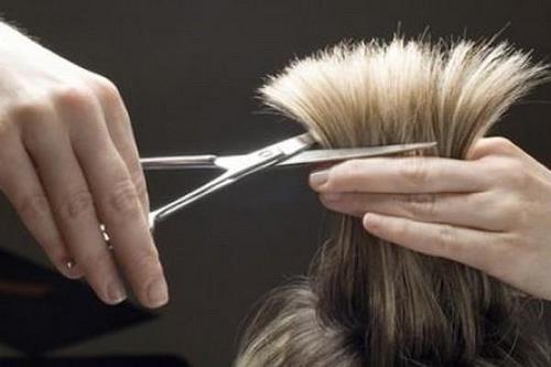 Mùng 5 Tết không nên cắt tóc