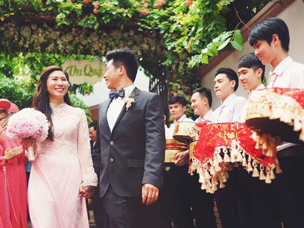 Một lễ cưới được xem là đúng nghi thức không thể thiếu khâu đọc lời phát biểu đám cưới của họ nhà trai
