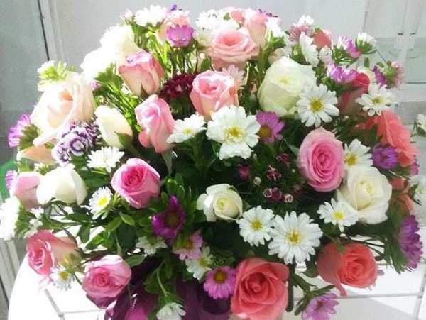 Cách cắm hoa cưới để bàn đẹp tự nhiên thêm ấn tượng trong ngày đặc biệt - Ảnh 7