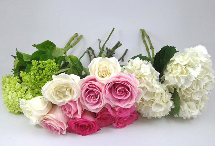 Cách cắm hoa cưới để bàn đẹp tự nhiên thêm ấn tượng trong ngày đặc biệt - Ảnh 3