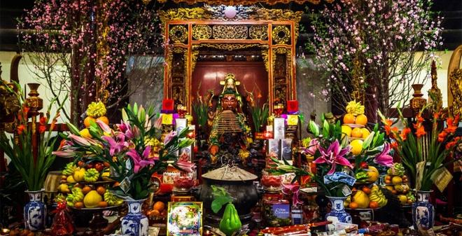 Trong quá trình dọn dẹp, cần cẩn thận, tỉ mỉ cũng như thể hiện sự thành kính đến các vị thần và tổ tiên
