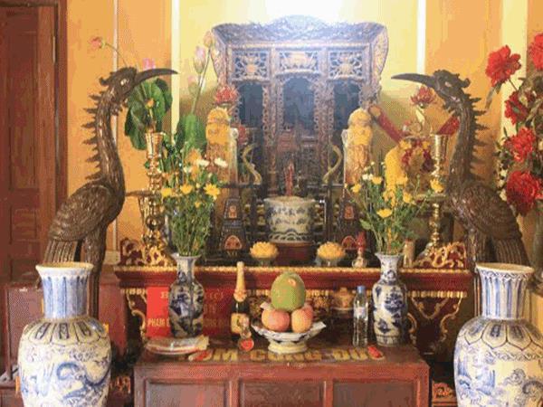 Dọn dẹp bàn thờ cuối năm vào ngày nào cho đúng phong thủy vẫn là tập tục được các gia đình Việt quan tâm