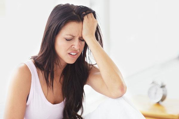 Đau đầu chóng mặt và buồn nôn có thể là biểu hiện của các bệnh như đau nửa đầu, viêm xoang,...