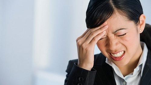 nhức đầu nhiều ngày liền không nguy hiểm đến tính mạng nhưng sẽ khiến cuộc sống thêm phần nặng nề